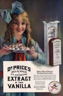 Dr PriceA•s extract of Vanilla 1914 1910s USA
