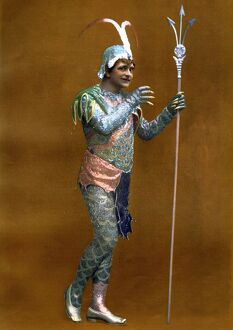 Le Theatre 1900s France humour fancy dress costumes reptiles